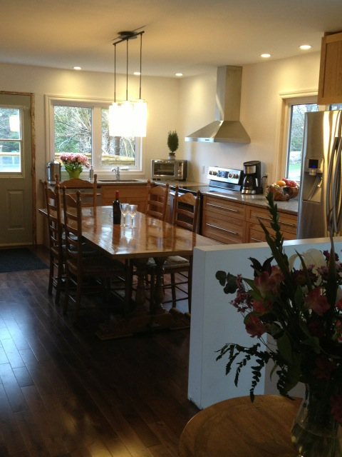 Solid panel Cherry Shaker Kitchen 1 of 2